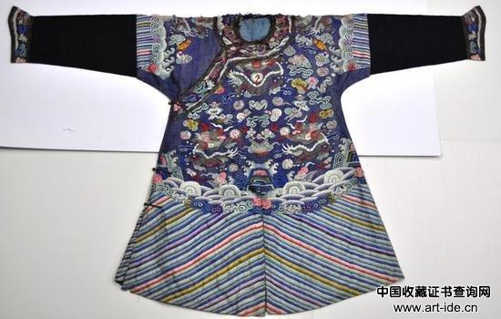 清 龙袍     拍品编号:204    起拍价:2,000 美元